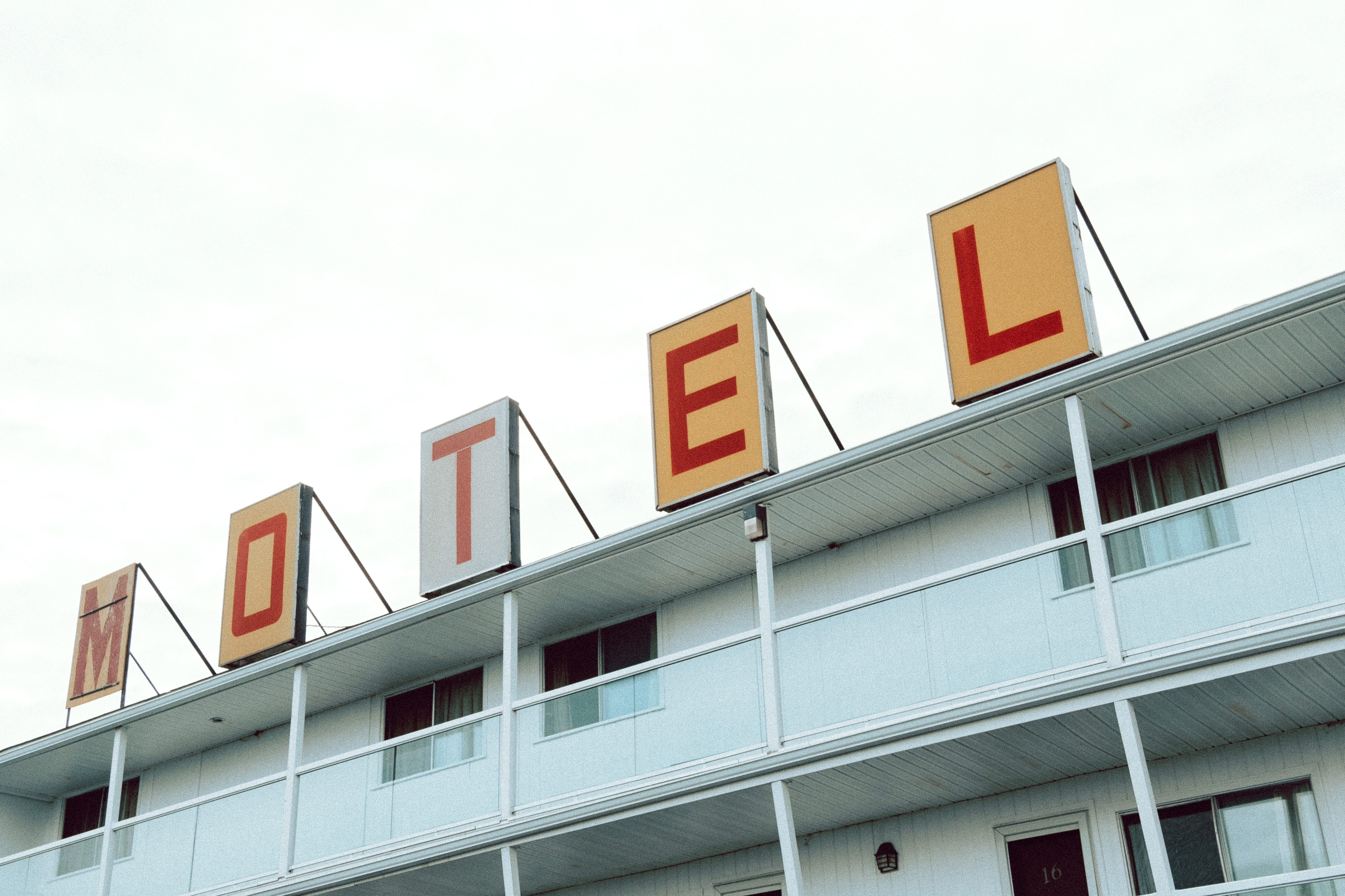 Motel Saint John Sign